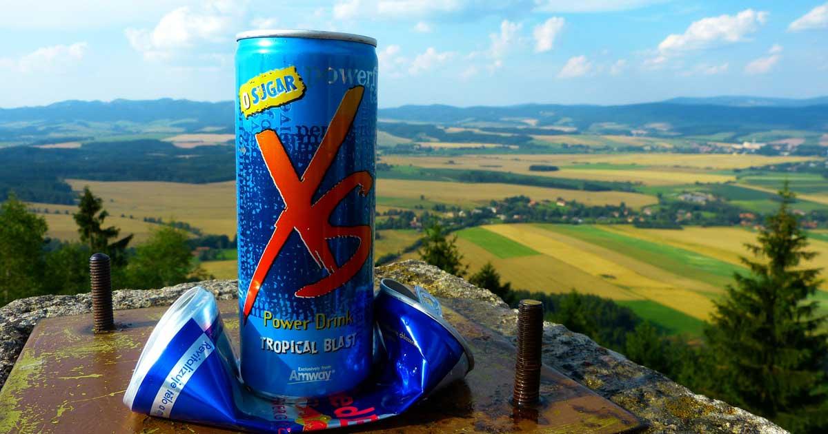 Sollten Energy-Drinks für Minderjährige verboten werden?