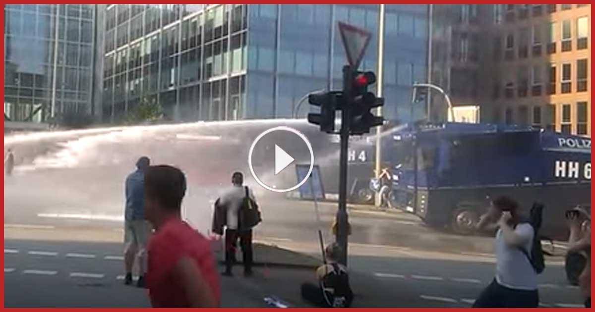 G20 Gipfel - Polizei räumt Strasse. Hat die Polizei richtig gehandelt?!