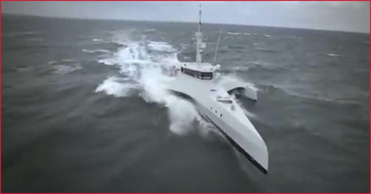 Super-Schiff kommt auf dem Meer zum Einsatz!
