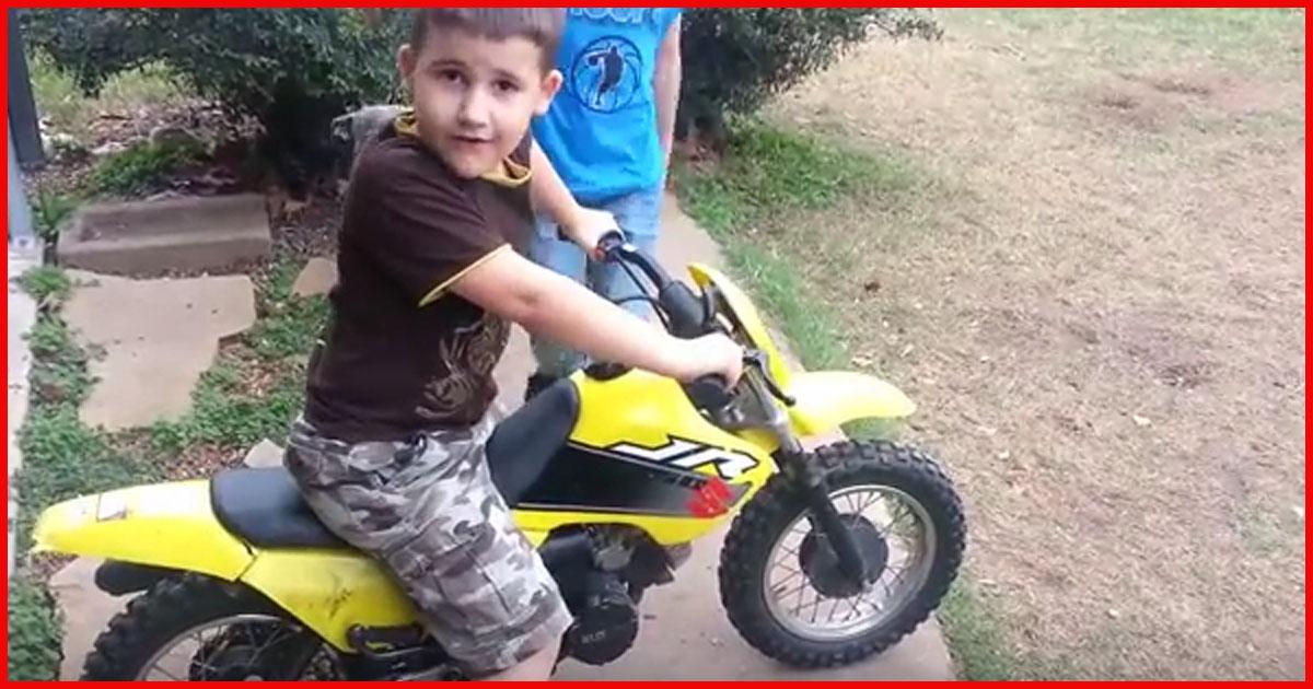 Dieser Versuch Motorrad zu fahren geht unweigerlich daneben!
