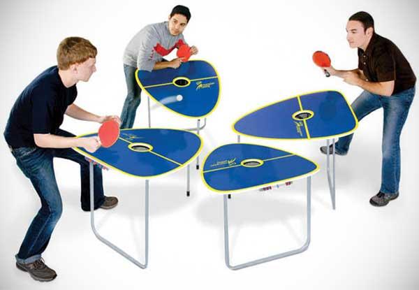 Tischtennis für 4 Personen.