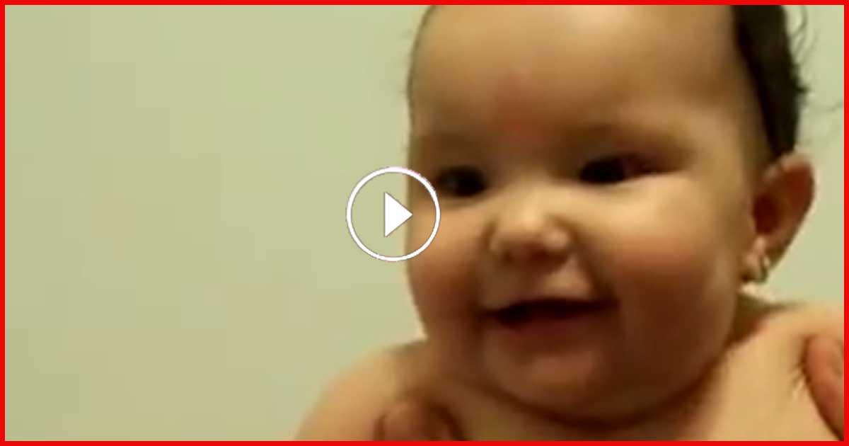 Papa möchte das das Baby mal lacht, was dann passiert lässt dich lachen!