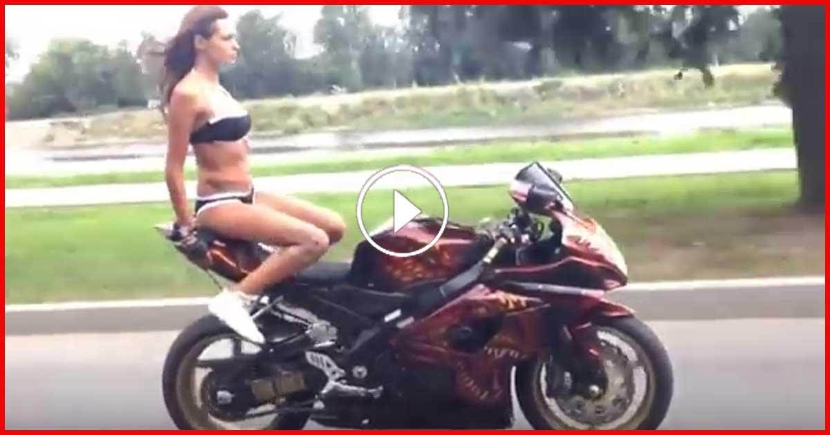"""Diese Frau lässt sich von einem Geist auf dem Motorrad chauffieren. Sieh dir das an"""""""