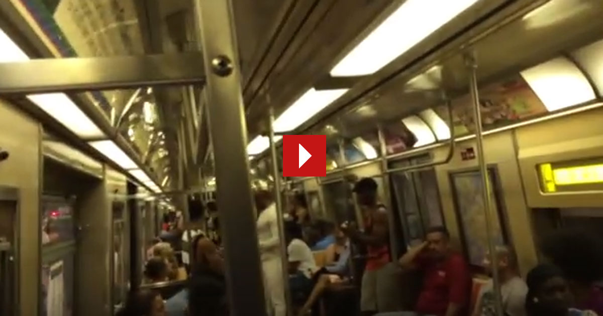 Du steigst in eine U-Bahn und bist pötzlich zu Tränen gerührt und mit Emotionen überwältigt. GENIAL!