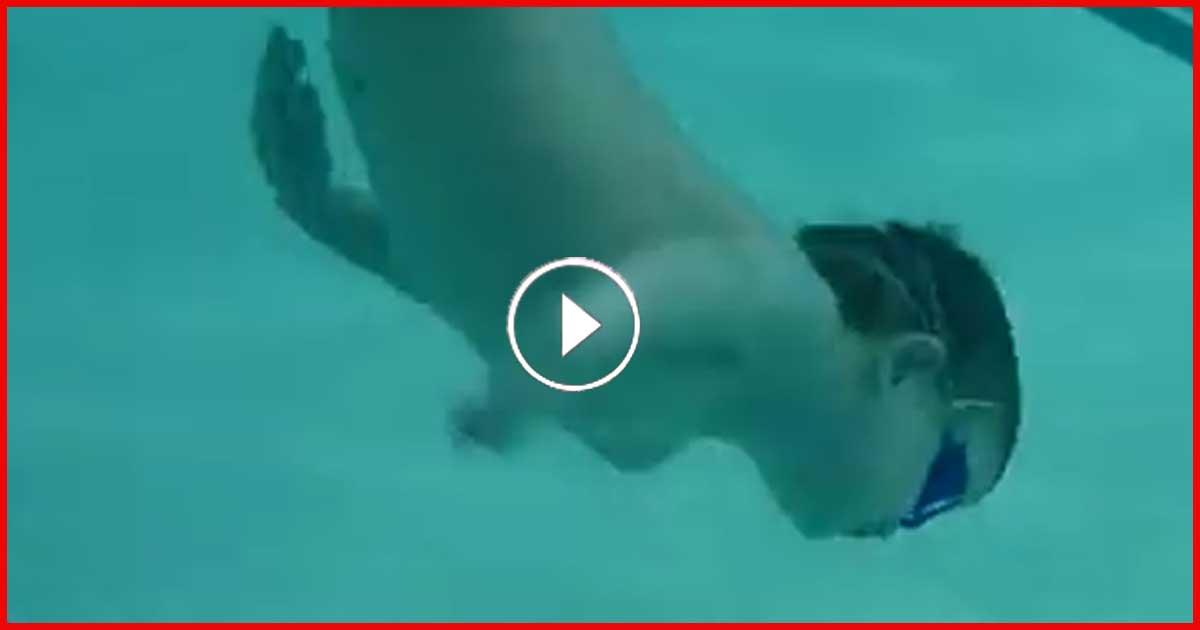 3-jähriger taucht runter um seinen Torpedo zu retten. 162 Millionen haben das gesehen!
