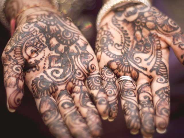 Henna Tattoo - auf den Händen